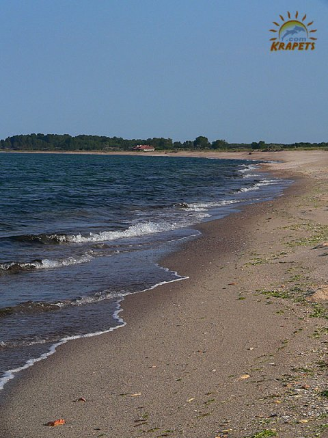 The beach in front ot Ezerets lake